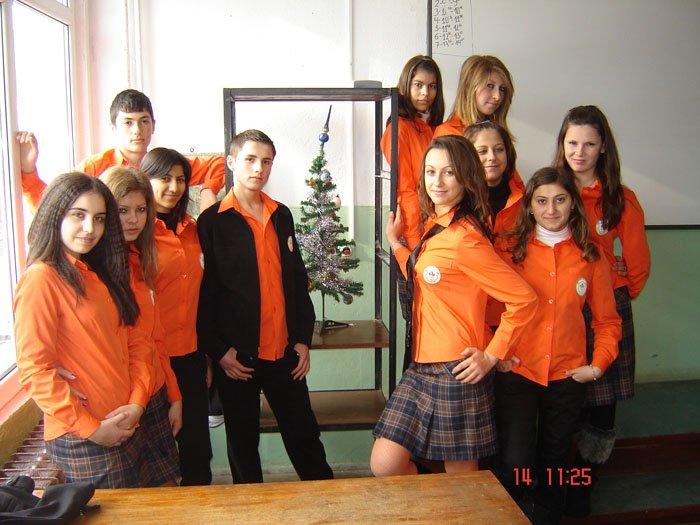 uchilishtni-uniformi-01