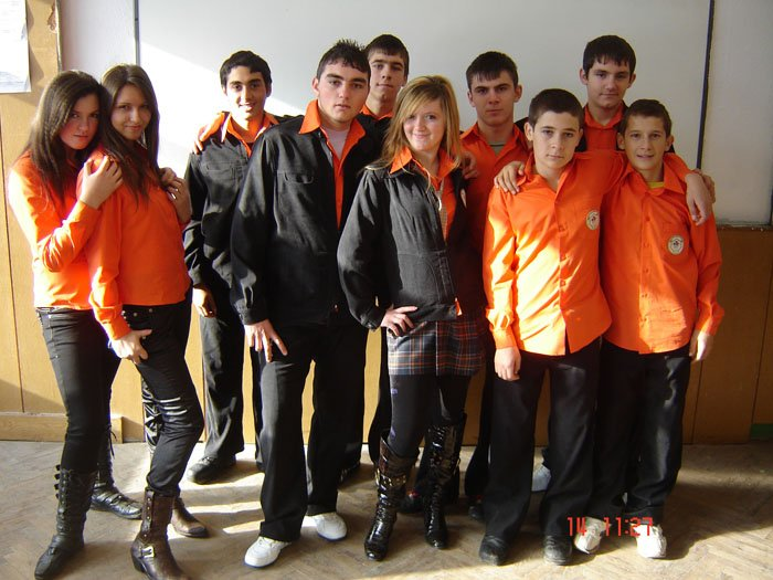 uchilishtni-uniformi-02
