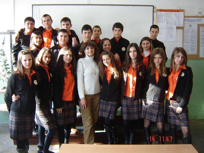 uchilishtni-uniformi-03
