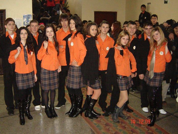 uchilishtni-uniformi-07