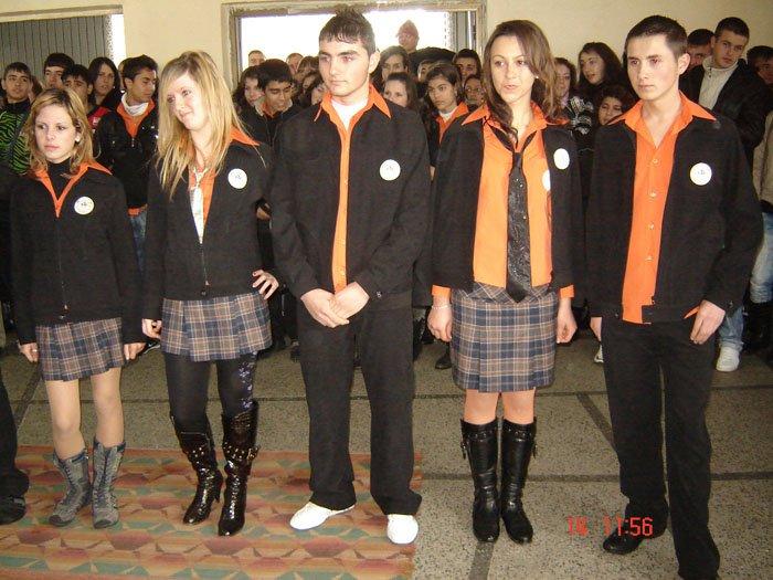 uchilishtni-uniformi-08